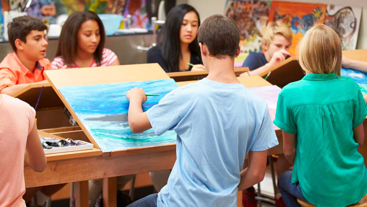 Instruct Your Child On The Classic Art Lessons